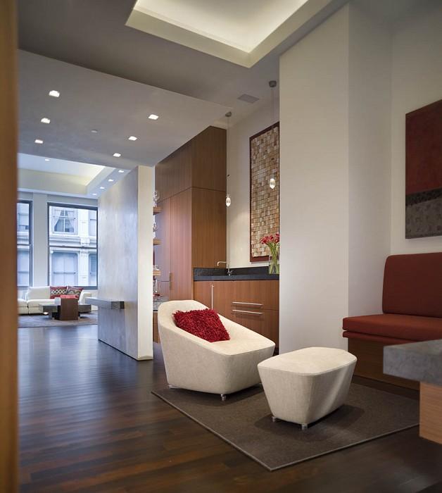 TV nook and wet bar, Mercer Greene Apartment